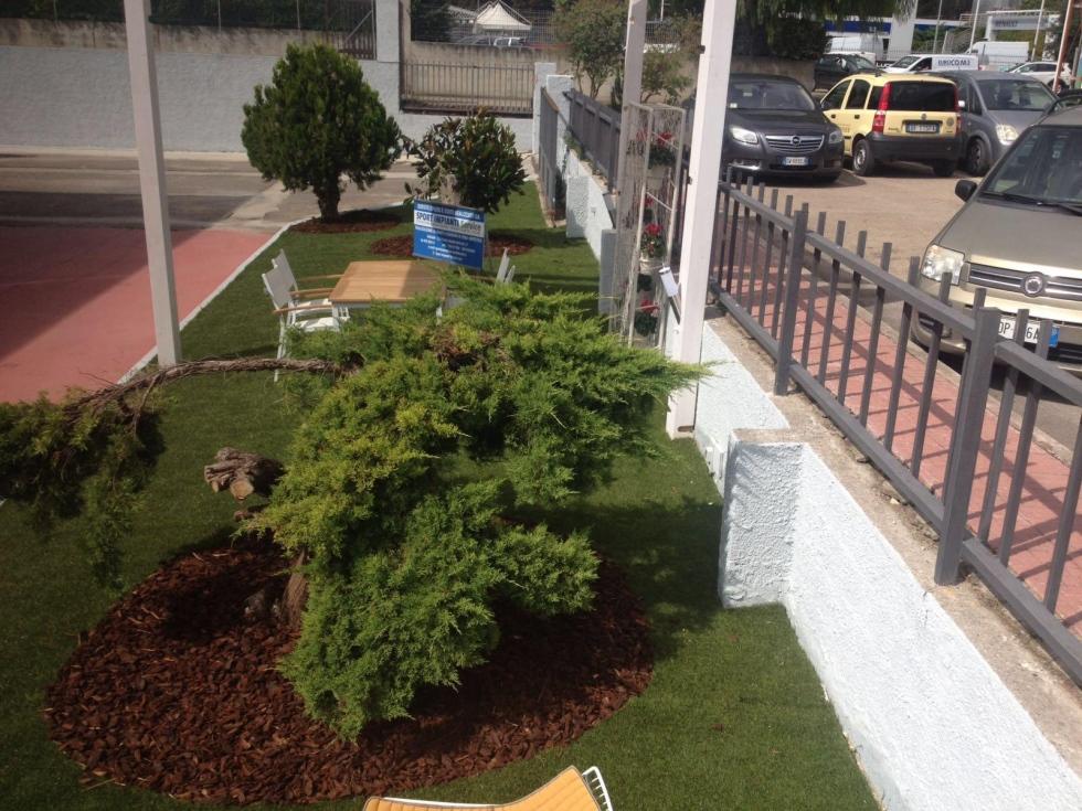 Giardini in erba sintetica sport impianti service